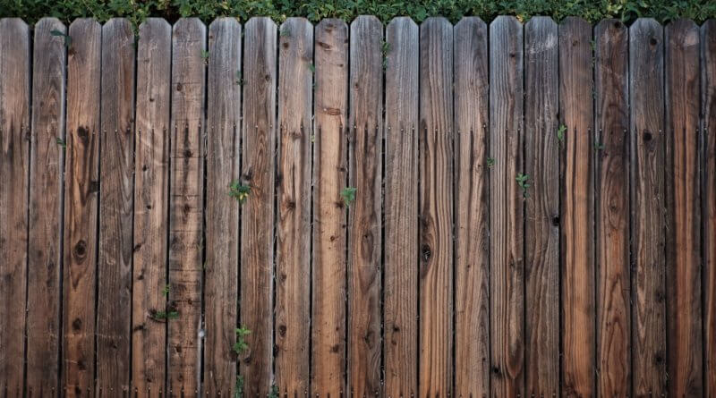 How to set a fence post without cement mix